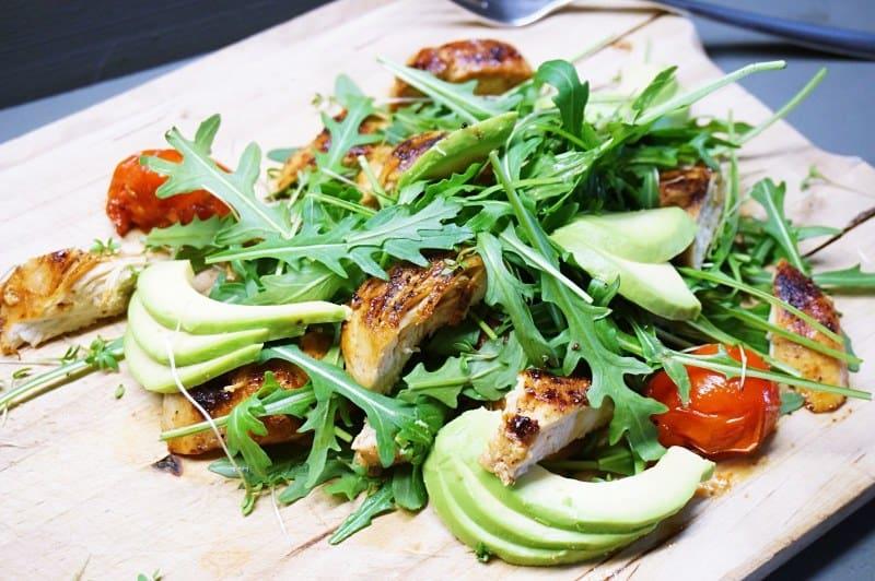 Hühnchen-Salat mit Avocado