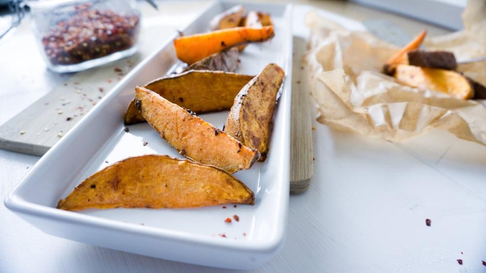 Knusprige Wedges aus Süßkartoffeln